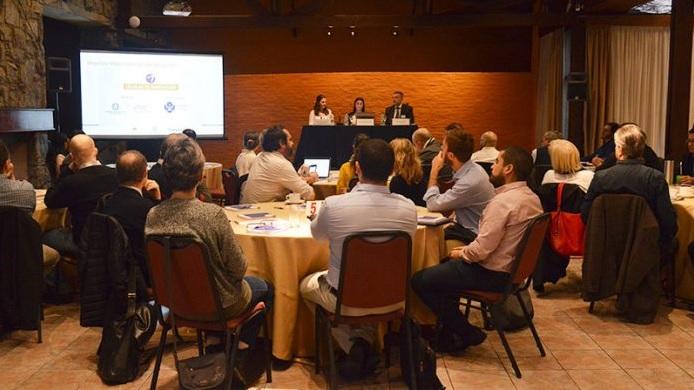Crónicas: CIU promueve energías renovables a través de la fusión de investigadores y empresarios